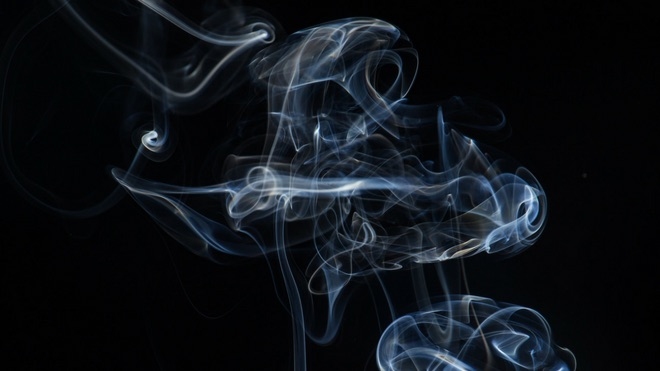 How to restore a room from cigarette smoke?